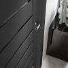 porta interna in laminato in rovere grigio con vetro rosso scuro coprente e lucido nero con svarowski dettaglio eranthis ican