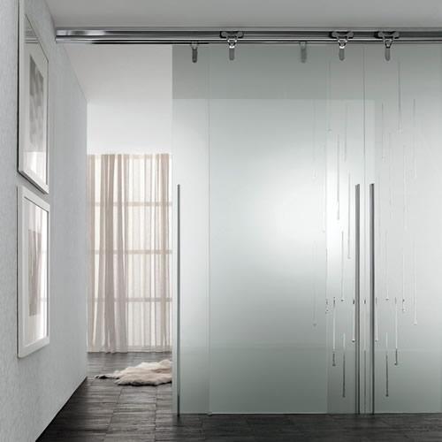 porta in vetro acidato logika scorrevole con binario a parete in nickel e decoro star 4 con ...