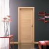 porta in laminato rovere sbiancato con inserti in alluminio orizzontali a battente zeus planet doors gd d'origo