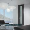 porta interna in laminato in rovere grigio con vetro satinato inciso con filetti in alluminio a battente ican