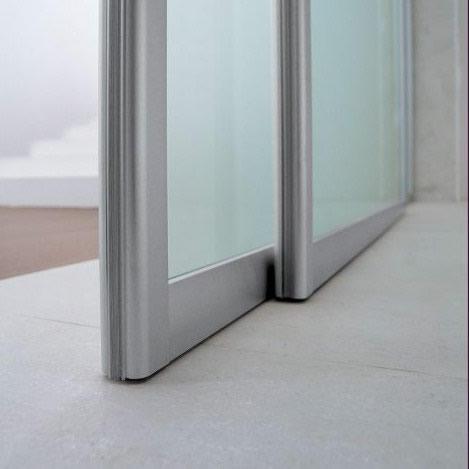 porta in vetro acidato unika scorrevole con binario a soffitto a 2 vie dettaglio adielle  Casa ...