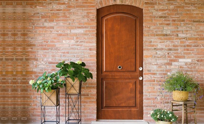 Portoncini d 39 ingresso in legno casa infissi debernardis - Porte con bugne ...
