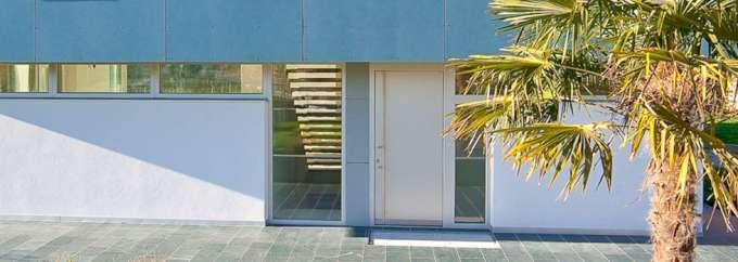 6-portoncino-d-ingresso-alluminio-internorm-studio_Tu2A-680